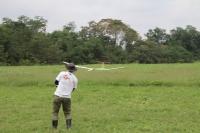 西宮選手ピラナス(胴体ピラニア、主翼シグナス)の着陸