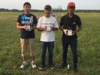 エルロンクラス入賞者(吉田選手(中央)、2位の新井選手(左)、3位の小川選手