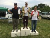 f5J2000入賞者(大友選手(中央)、中條選手(左)、鈴木選手)