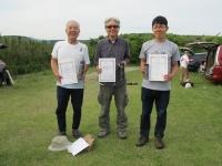 2mクラス入賞者(2位菅原さん、優勝の中村さん、3位鈴木さん)