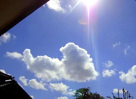 雲が足早に流れてる@夏っちゃん