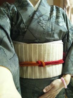 着物で観劇 大島紬と野蚕糸帯