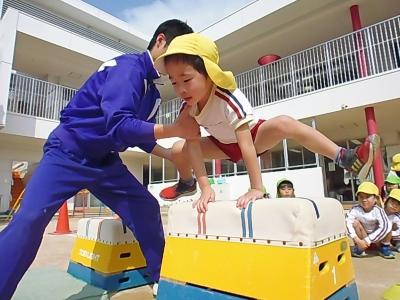 20-1 3月に入ってから体育教室で跳び箱にチャレンジ!しっかり足を広げてピョン!!.JPG