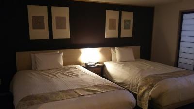 明、ベッドルーム.JPG