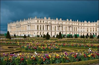 ヴェルサイユ宮殿2花の庭園.jpg