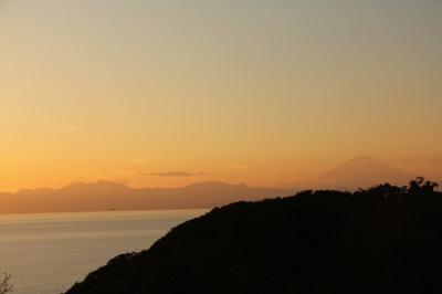 夕暮れ時の江ノ島からの景色.jpg