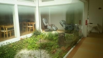 禅の湯中庭.JPG