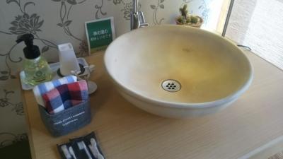 禅の湯部屋の洗面スペース.JPG