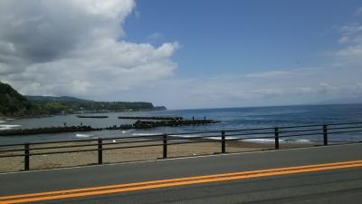 ピラータ店の前の海.JPG