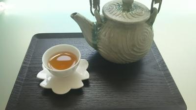 九�囲茶房の茶器.JPG