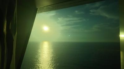 部屋から見る朝日.JPG