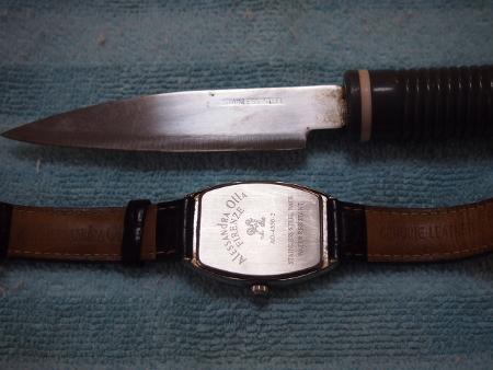 ナイフと裏