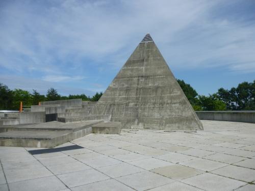 ピラミッドが多いみたい
