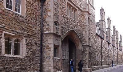 トリニティ・カレッジの通用門