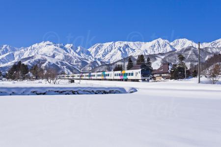 あずさ雪景色