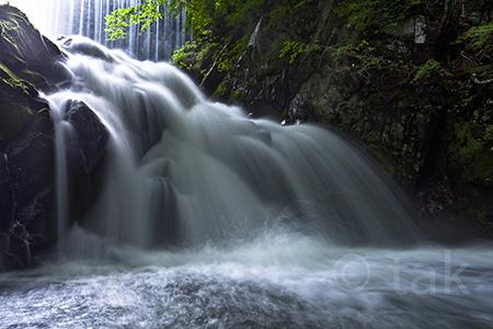 巣栗渓谷の滝