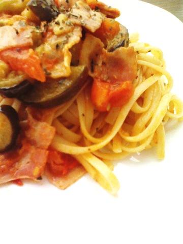 生トマトと茄子のパスタ
