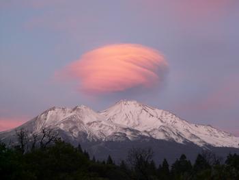 シャスタのUFO雲