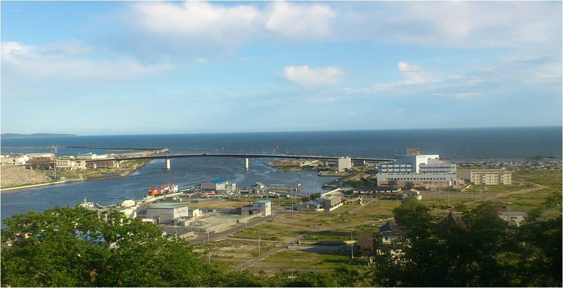 日和山から見た北上川河口.jpg