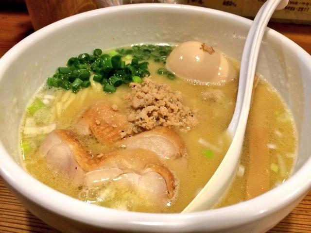 東京・池袋『鶏の穴』<br />