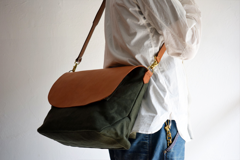 Washed-canvas-shoulder-bag-07.jpg