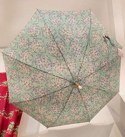 「ラヴィ*ラヴァ」、「ド・レ・ミ・ファ・ソ♪」の晴雨兼用傘が発売!