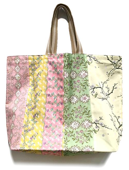 春めく柄をぎっしり詰め込んだ☆パッチワークトートバッグ。