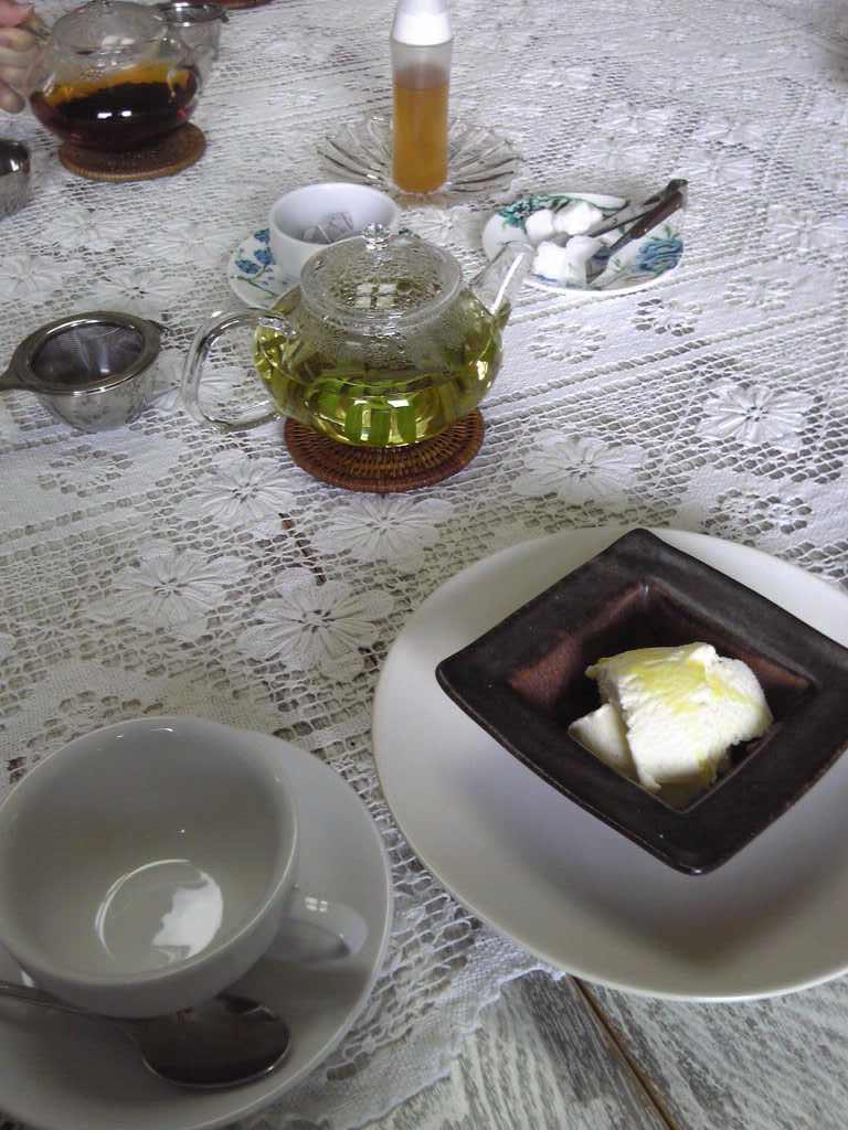 バニラアイスのオリーブオイル岩塩かけ