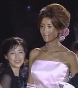 菊池桃子(きくちももこ、映画パンツの穴・青春のいじわるで歌手女優デビュー。結婚した西川哲とは2012年離婚)