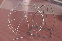 針金の骨格
