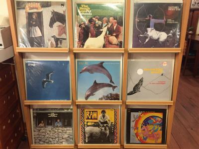 珈琲の香りと古いレコードの数々