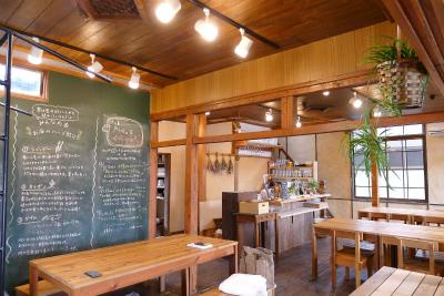 大三島みんなの家のカフェスペース