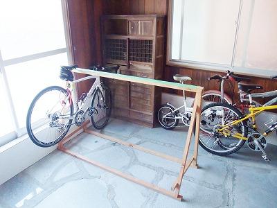 しまなみ海道大島のゲストハウスくめちゃんハウスの駐輪スペース