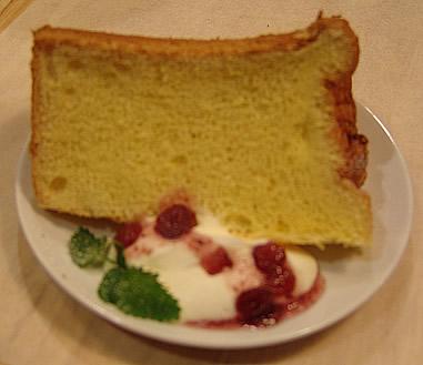 西山さんちの卵でつくったシフォンケーキ