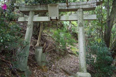 黒岩神社一の鳥居.jpg