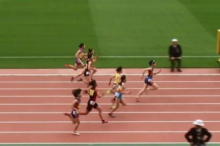 招待女子100m