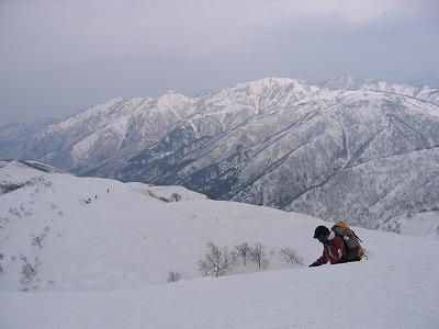 s-金剛堂山から白木峰.jpg