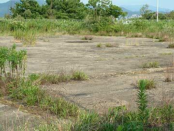 格納庫跡に残る床