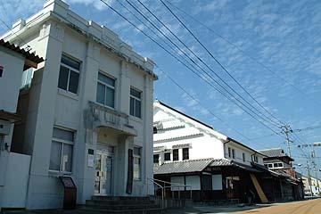 井芹銀行本店