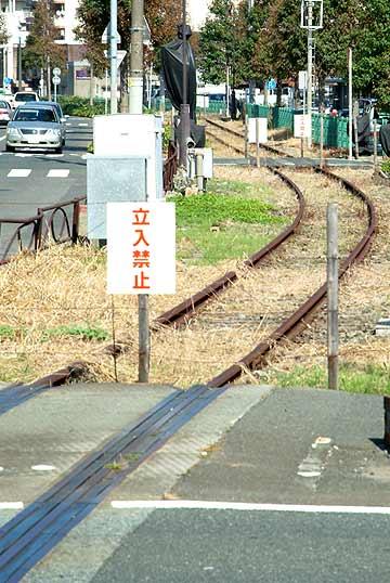 門司港駅から先のレール