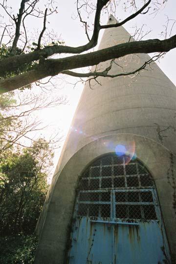 塔の入り口