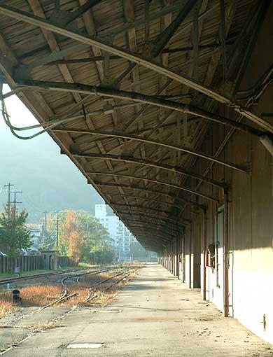 旧農林省米穀倉庫