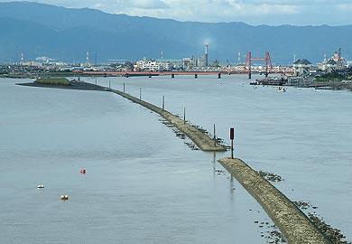 新田大橋から上流側を望む