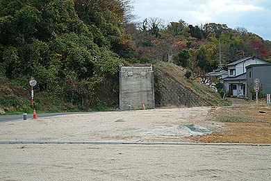 玉名線 造成地の向こうに見える橋台03