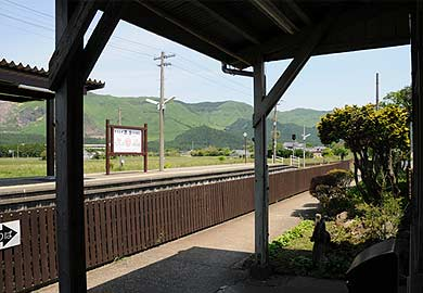 赤水駅 改札からの眺め