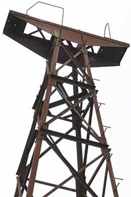 麻生産業山田炭鉱の索道支柱