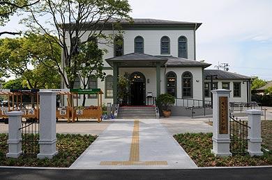 旧佐賀県警察部庁舎(さがレトロ館)