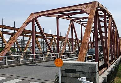 六五郎橋 入り口(西側)のトラス