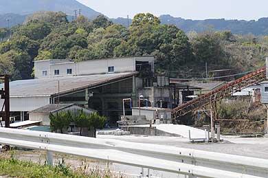 明治佐賀炭鉱跡地に残るホッパーその1(現在)