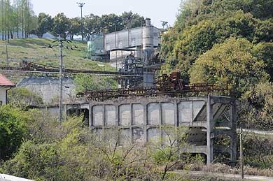 明治佐賀炭鉱跡地に残るホッパーその2(現在)